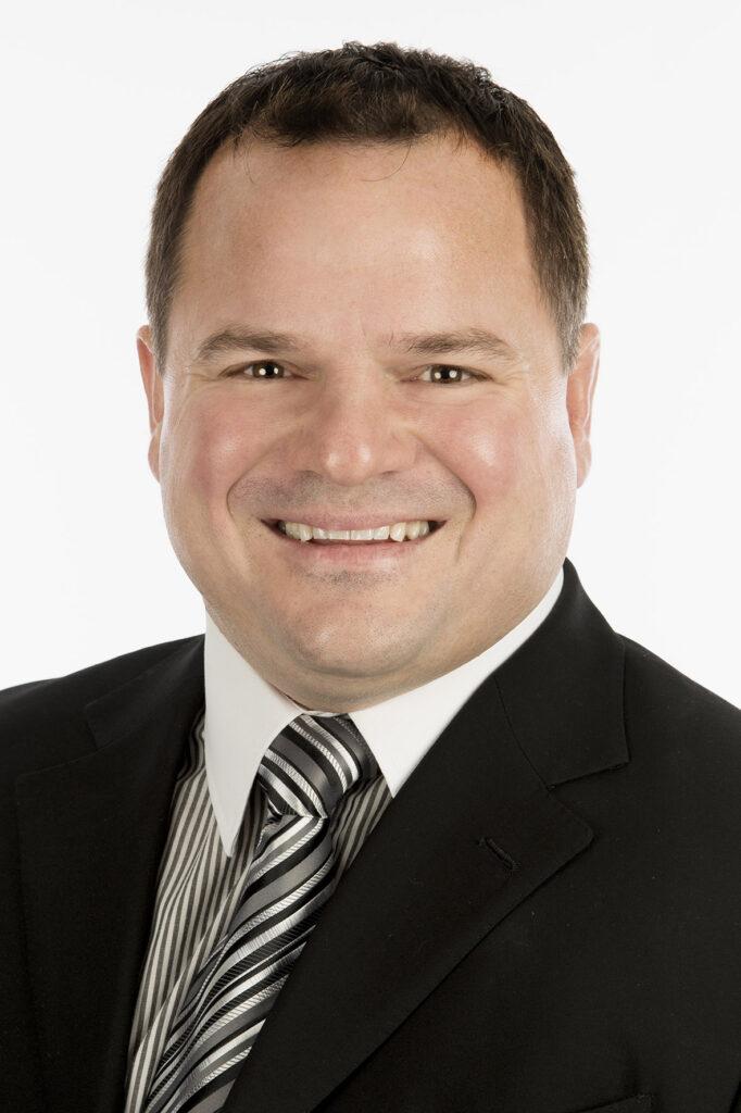 Portrait Roman Rauper, Geschäftsführer der industrie consulting Anstalt